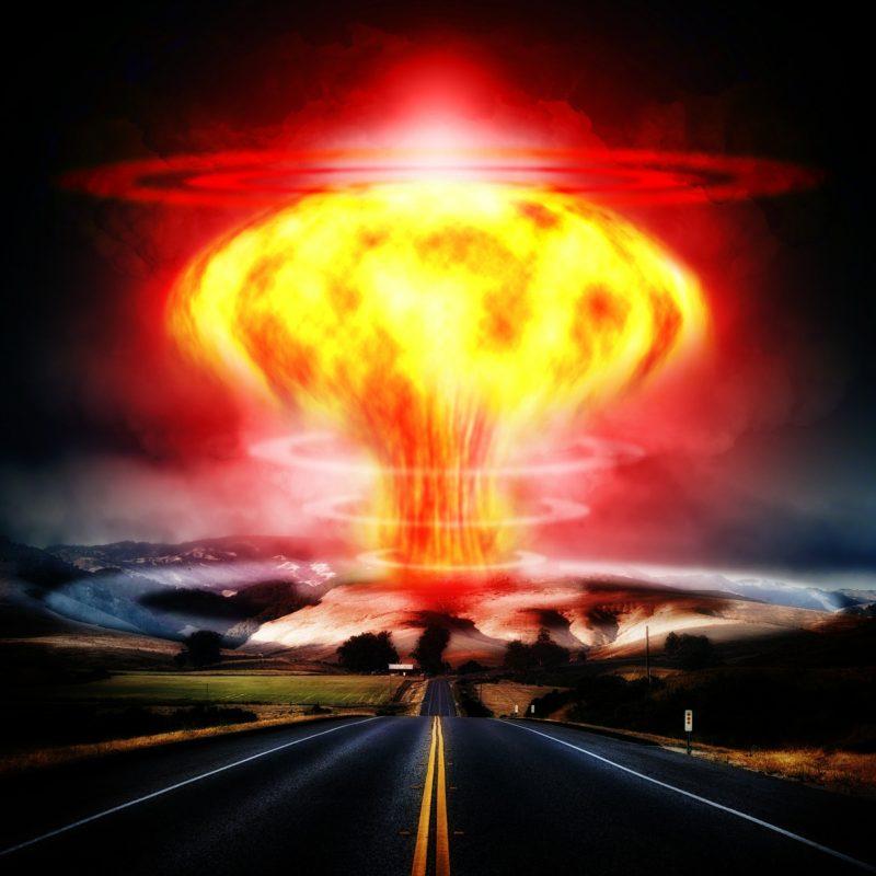 nuclear-explosion-356108_1920